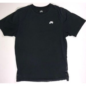 Nike skateboarding Dri Fit Shirt Size Small.